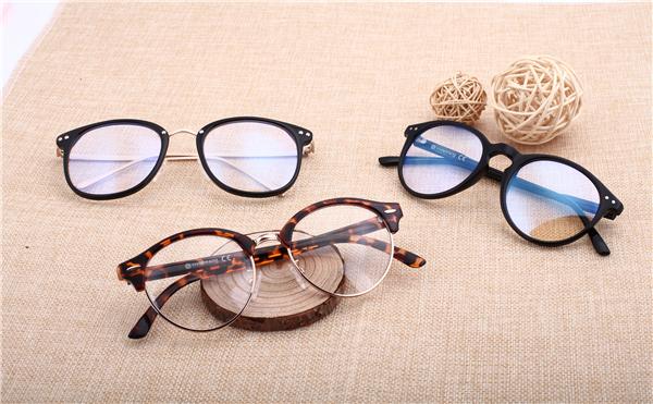 摄图网_500203076_ 装饰眼镜拍摄素材(企业商用)_副本.jpg